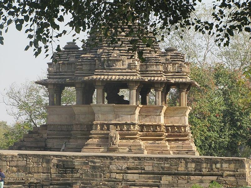 File:Khajuraho India, Nandi Temple 01.JPG