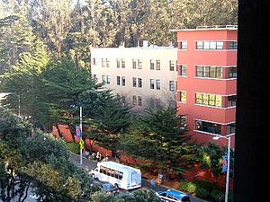 Langley Porter Psychiatric Institute - LPPI and Parnassus Avenue, seen from UCSF Ambulatory Care Center.