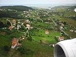 Landing in Asturies Airport (4888605672).jpg