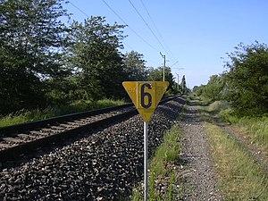 Cegléd–Szeged railway - Image: Lassujel