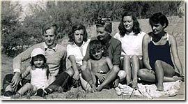 Leloir(top left) with family on the Argentine coastline, 1951.