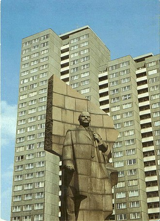 Values (heritage) - Image: Lenin statue in Berlin