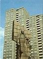 Lenin-statue-in-Berlin.jpg