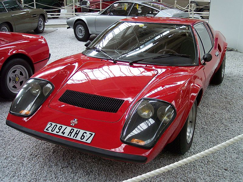 File:Ligier JS2 vl red.jpg