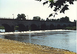 Water bridge on the Loire River near Digoin