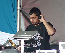 London Mela 2010, Panjabi MC crop.jpg