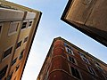 Looking up 02 in Rome, Italy.jpg
