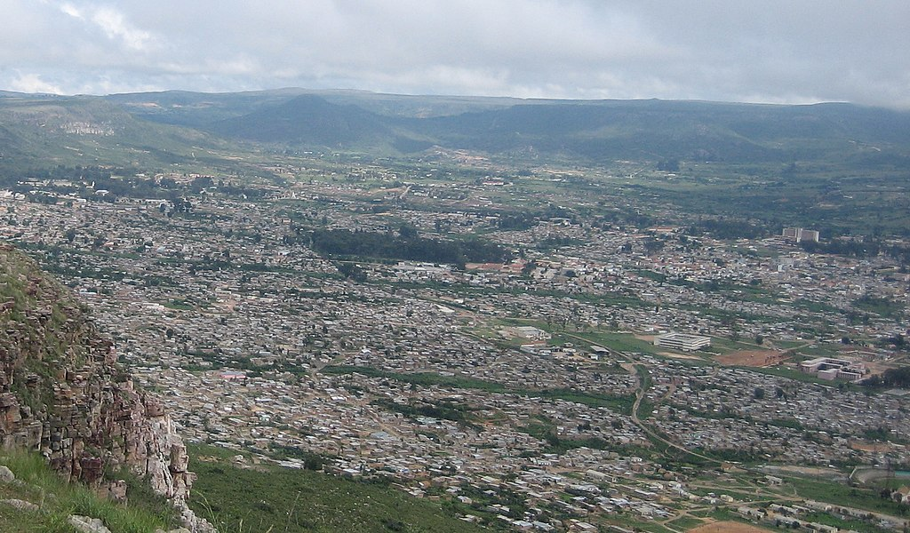 Lubango sight (cropped).jpg