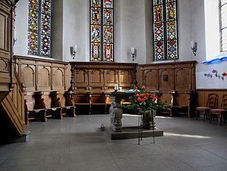 Münchenbuchsee - Choir with stained glass of Münchenbuchsee's Commandery Church