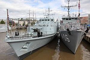 HMS Inverness (M102)