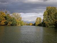 Malý Dunaj pri Zálesí začiatkom októbra.JPG