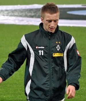 Deutsch: Marco Reus vor dem Spiel gegen Kaiser...