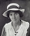 Marie Stopes at the time of the marriage with Mr. H.V. Roe. Wellcome M0017375 (cropped).jpg