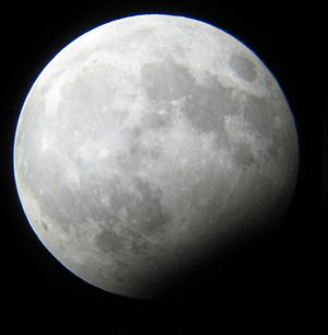 December 2009 lunar eclipse - Image: Maximum