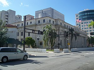 David W. Dyer Federal Building and United States Courthouse - Image: Miami FL newer po and crths 01