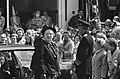 Midden koningin Juliana, rechts prins Bernhard, Bestanddeelnr 924-5068.jpg