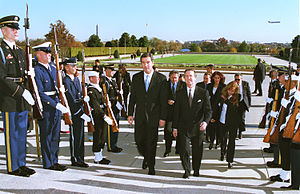 Milo Đukanović - Milo Đukanović in the Pentagon during November 1999, meeting with United States Secretary of Defense William Cohen.