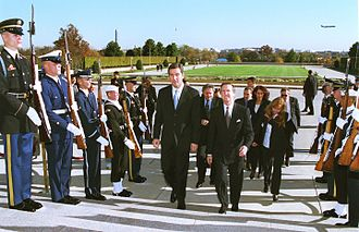 Milo Đukanović - Milo Đukanović in the Pentagon during November 1999, meeting with United States Secretary of Defense William Cohen.