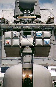 Mk 29 Sea Sparrow launcher on Rheinland-Pfalz (F 209) 1988.jpg