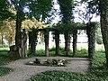 Mochenwangen Evangelische Kirche Grabmal Familie Müller.jpg