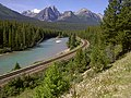 Morant's Curve - Most Canadian Pacific Railway publicity photos taken here. - panoramio.jpg