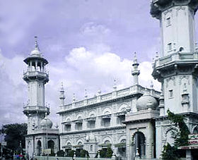 Mumbai-mosque-cleaned.jpg