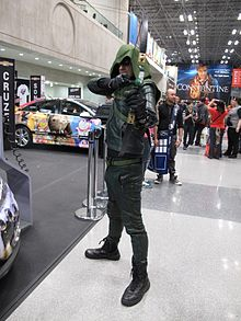 NYCC 2014 - Green Arrow (15478070396).jpg