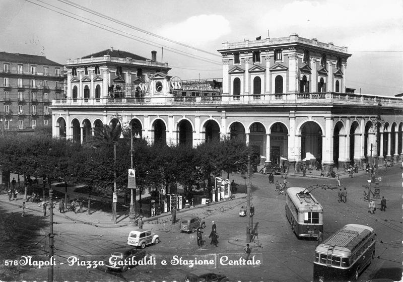 La gare centrale de Naples jusqu'en 1960.