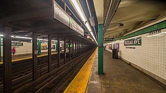 Nassau Avenue (IND Crosstown Line) - Northbound platform