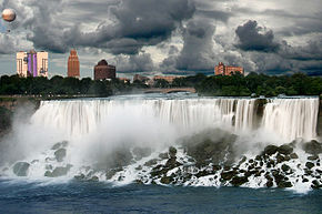 La cascata americana prima di un temporale