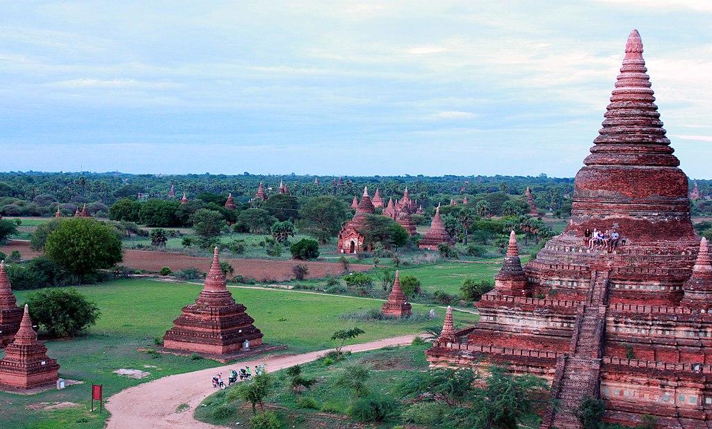 Nyaung-U, Myanmar (Burma) - panoramio (32).jpg