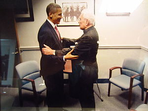 Theodore Hesburgh - Hesburgh greets President Barack Obama at Notre Dame