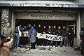 Ontruiming kraakcomplex Wyers in Amsterdam actievoerders bewoners in de opening, Bestanddeelnr 253-8840.jpg