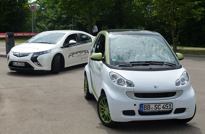 File:Opel Ampera and smart-ed 2012.JPG - Wikipedia, the free ...