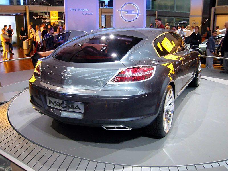 Opel Insignia 2009 Car Show