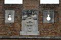 Ostia antica, castello di giulio II, stemma 10 medici.JPG