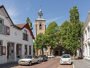 Oude-Tonge - Image: Oude Tonge, N Hkerk RM31708 in straatzicht foto 6 2015 05 24 15.57