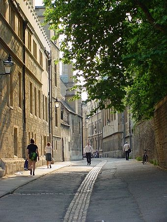 Brasenose Lane in the city centre, a street onto which three colleges back - Brasenose, Lincoln and Exeter Oxford back street - geograph.org.uk - 774471.jpg