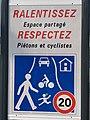 Panneau Zone Rencontre Rue Émile Roux Fontenay Bois 2.jpg