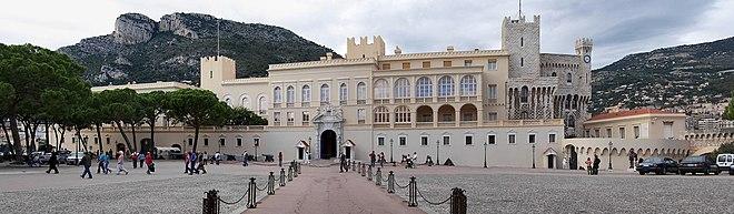 https://upload.wikimedia.org/wikipedia/commons/thumb/e/ed/Panorama_schloss_monaco.jpg/660px-Panorama_schloss_monaco.jpg