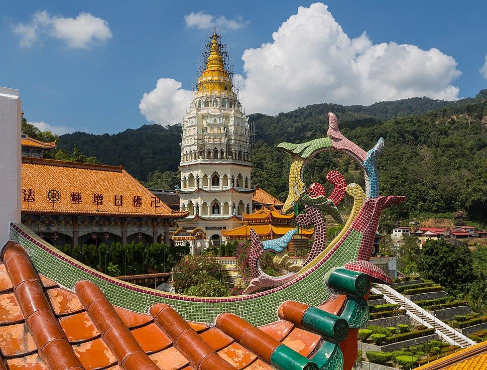Penang Malaysia Kek-Lok-Si-Temple-03