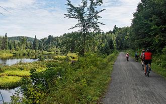 Parc Linéaire Le P'tit Train du Nord - Along the trail