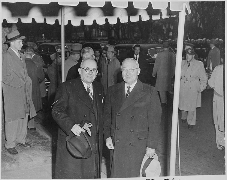 File:Photograph of President Truman and President Vincent Auriol of France, during Auriol's visit to Washington. - NARA - 200459.jpg