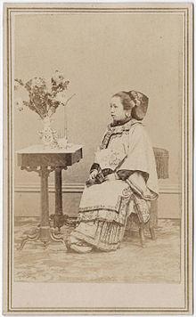 Carte De Visite Photograph Of A Chinese Woman California