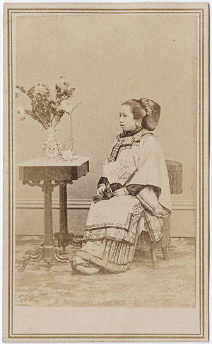 Women in the California Gold Rush - Carte de Visite photograph of a Chinese woman, California