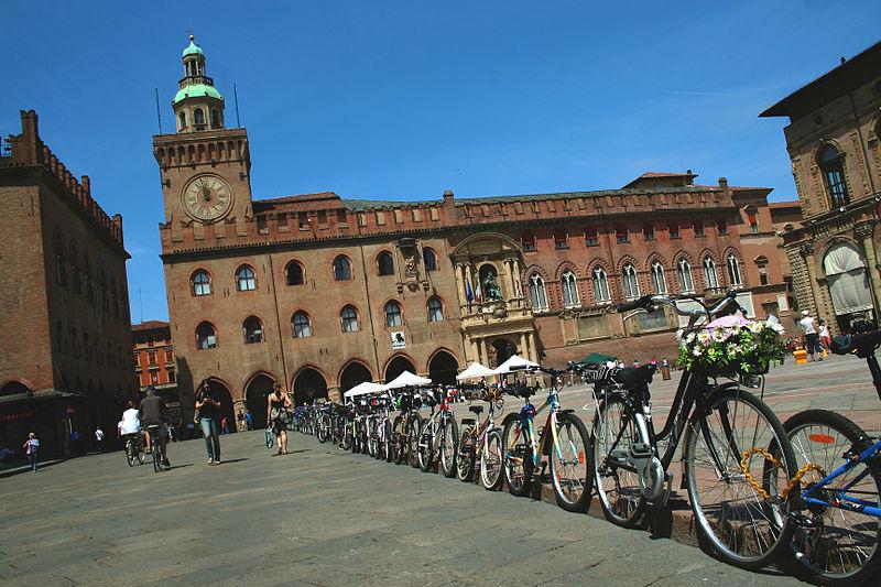 Meio de transporte em Bolonha: bicicleta.