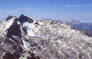 Pic Long - Pic Long's North face overlooks Tourrat Lake (view from Turon de Néouvielle)