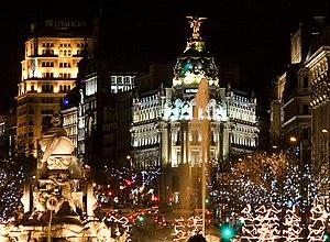 English: Night view of Plaza de Cibeles (squar...