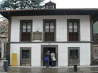Pola de Lena - Casa natal de Vital Aza.jpg