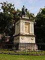 Pomník Casimira Periera na hřbitově Pere-Lachaise, Paříž.jpg